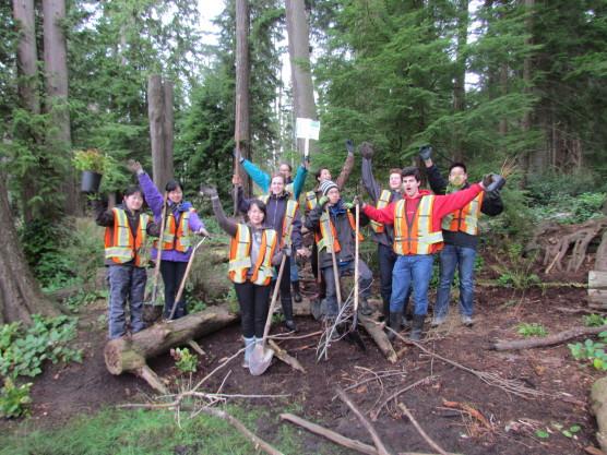 Beaver Lake Restoration site planting (10)